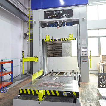 mold fitting machine