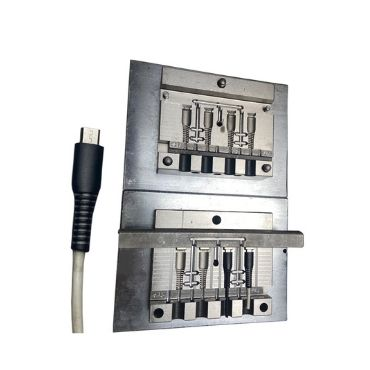 4 Cavity PVC USB Cable Injection Mold